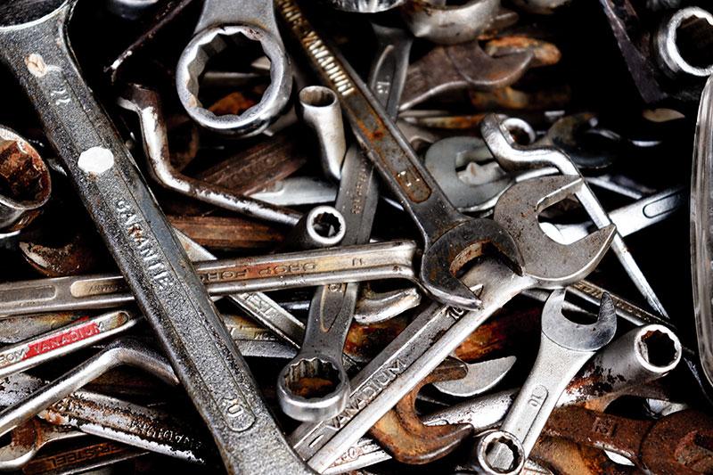 Foto mit diversen Schraubschlüsseln